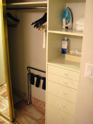 Montbleu Lake Tahoe Hotel Review - Closet